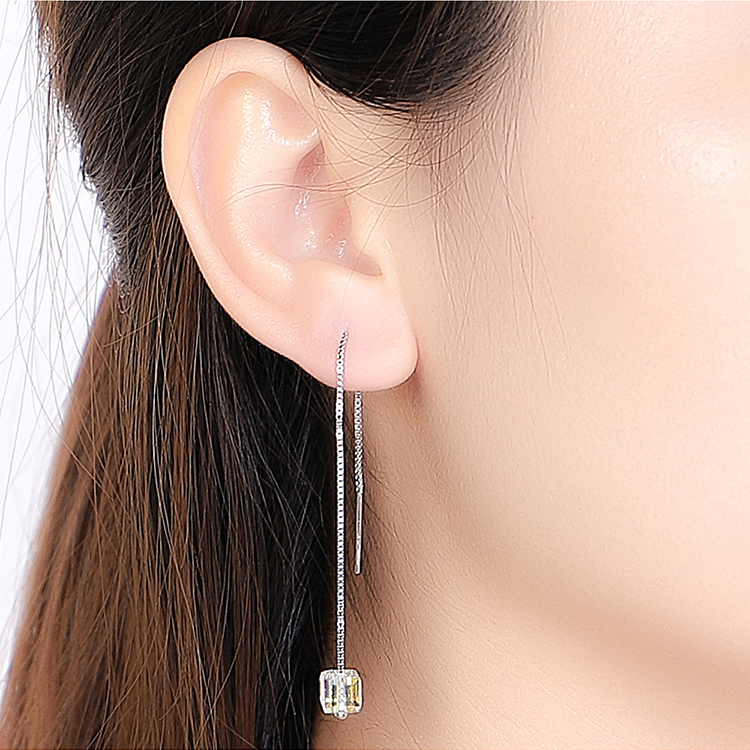 Austrian Imitated crystal S925 Ear Acupuncture - Love Sugar (Color White) NHKSE28941