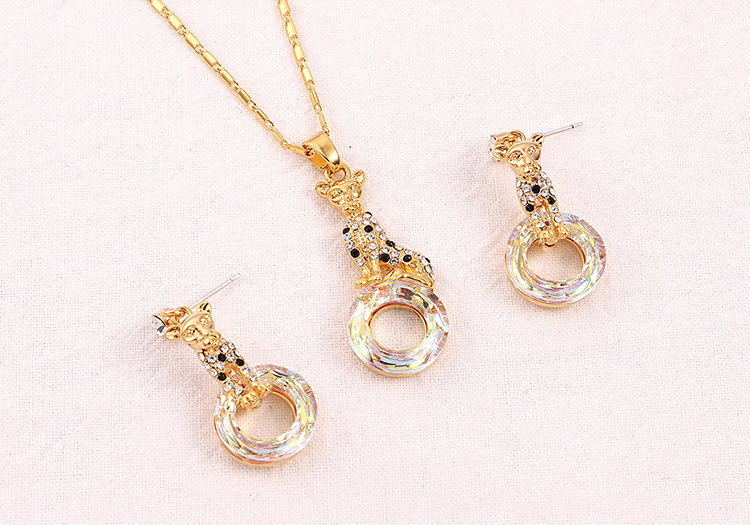 Austrian Imitated crystal Necklace  Elegant Leopard Champagne Alloy + White Fine Jewelry NHKSE30243